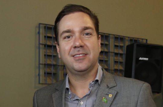 Eduardo Bismarck quer manter auxílio emergencial residual em R$ 600,00