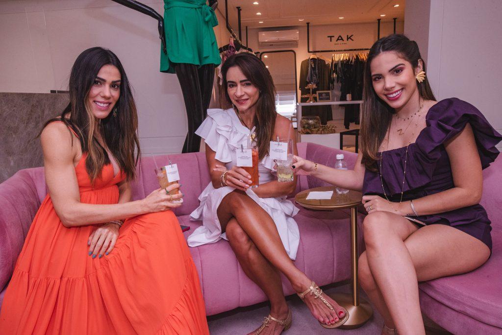 Juliana Cordeiro, Camila Quindere E Nicole Vasconcelos