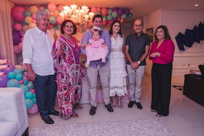 RÁ-TIM-BUM - Camile Quintão e Rodrigo Carneiro celebram o primeiro aniversário de Celine