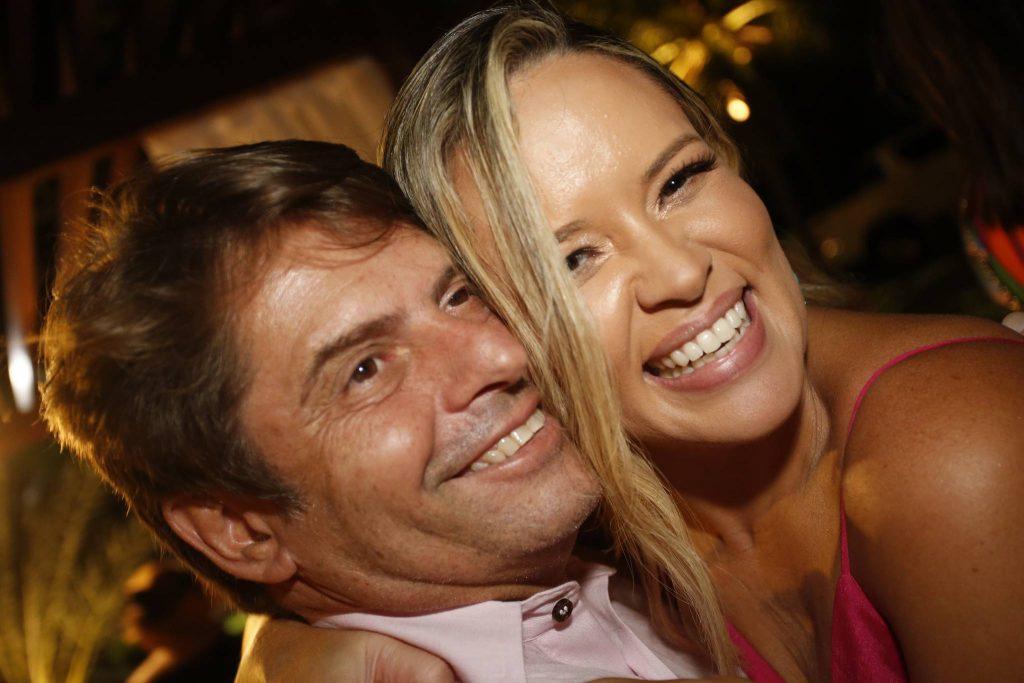 Luiz Carlos E Mirella Tome