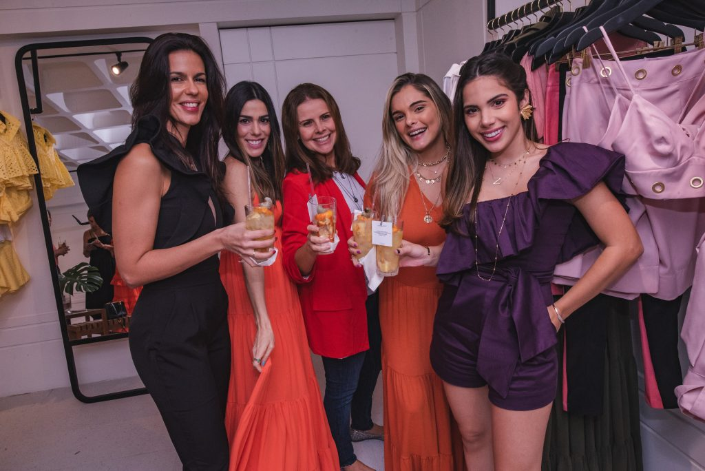 Maira Farias, Juliana Cordeiro, Samia Gondim, Nicolle Vichnevski E Nicole Vasconcelos