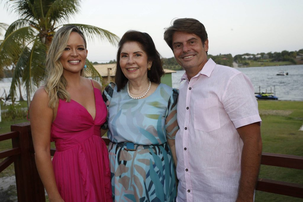 Mirella, Vania E Luiz Carlos Tome
