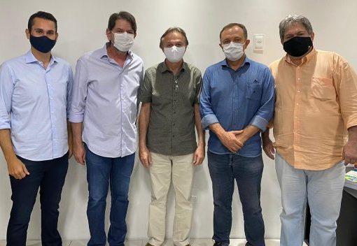 Cid Gomes apoia as pré-candidaturas de Cirilo Pimenta e Edmilson Júnior para disputar a Prefeitura de Quixeramobim