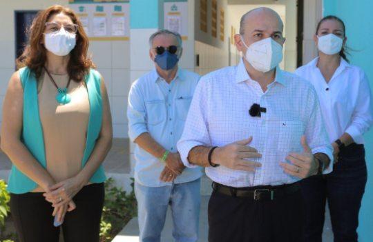 Roberto Cláudio entrega escola e acelera as obras do Ginásio Aécio de Borba