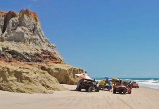 Acrísio Sena quer acelerar a retomada da atividade turística na Rota das Falésias
