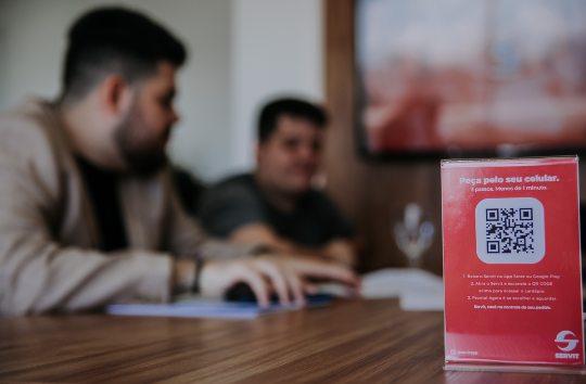 Startup cearense cria aplicativo para bares, restaurantes, hotéis e escolas