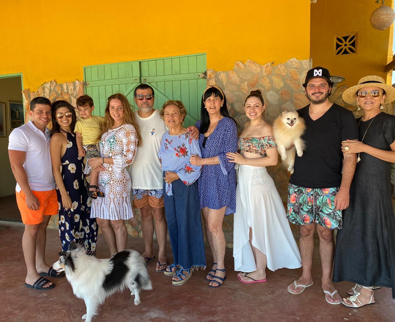 Odmar Feitosa reúne a família e amigos em Beberibe para celebrar sua troca de idade