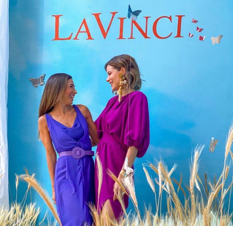 Renata Marinho celebra os 9 anos da La Vinci com campanha estrelada por Paulinha Sampaio