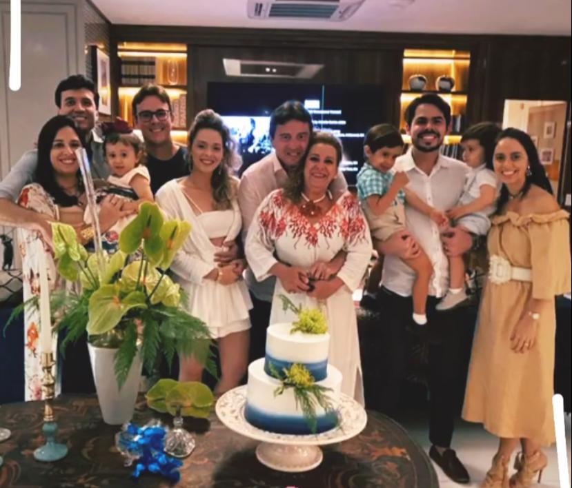 Luiz Teixeira celebra a nova idade em clima intimista com a família