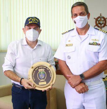 Roberto Cláudio é recebido por Ricardo Barillo na Capitania dos Portos do Ceará