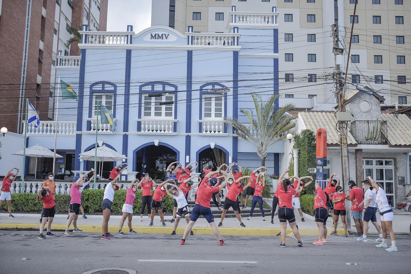 Hotel Sonata de Iracema promove corrida de rua com alunos da assessoria esportiva Tio Flavinho