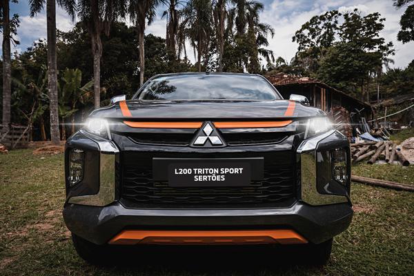 Mitsubishi ataca de série especial com a L200 Triton Sport Sertões