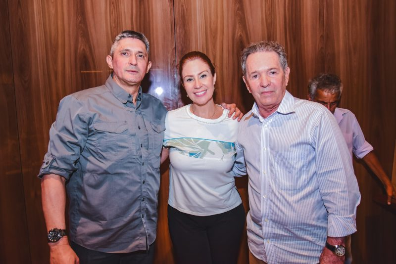 Special Lunch - Coco Bambu do Iguatemi Fortaleza serve de cenário do aniversário do coronel Aginaldo Oliveira