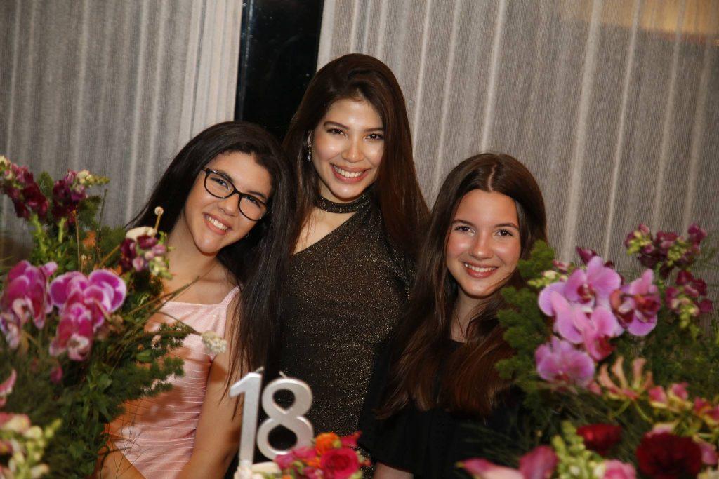 Ana Luiza, Lara Holanda E Maria Clara