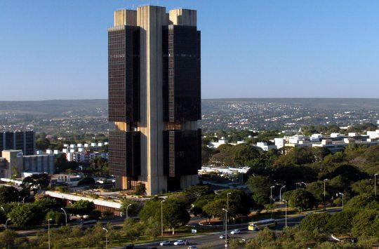 Banco Central mantém Selic em 2% e projeta uma retração de 4,81% do PIB