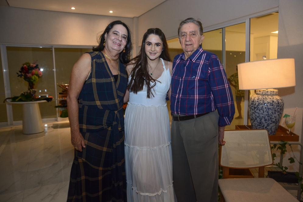 Branca, Bibi E Josué De Castro
