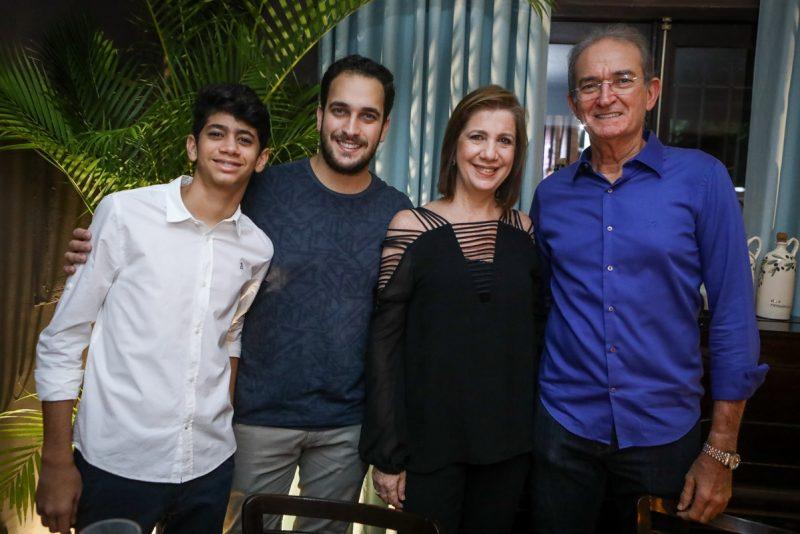 Dinner Show - Concerto especial de Marcos Lessa injeta um brilho extra no Caravaggio Cucina&Vino