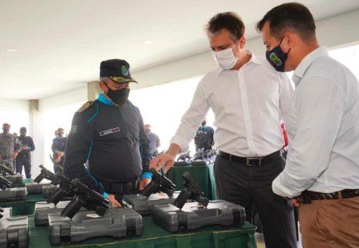 Governo do Ceará reforça ações policiais com a entrega de 3.893 novas pistolas