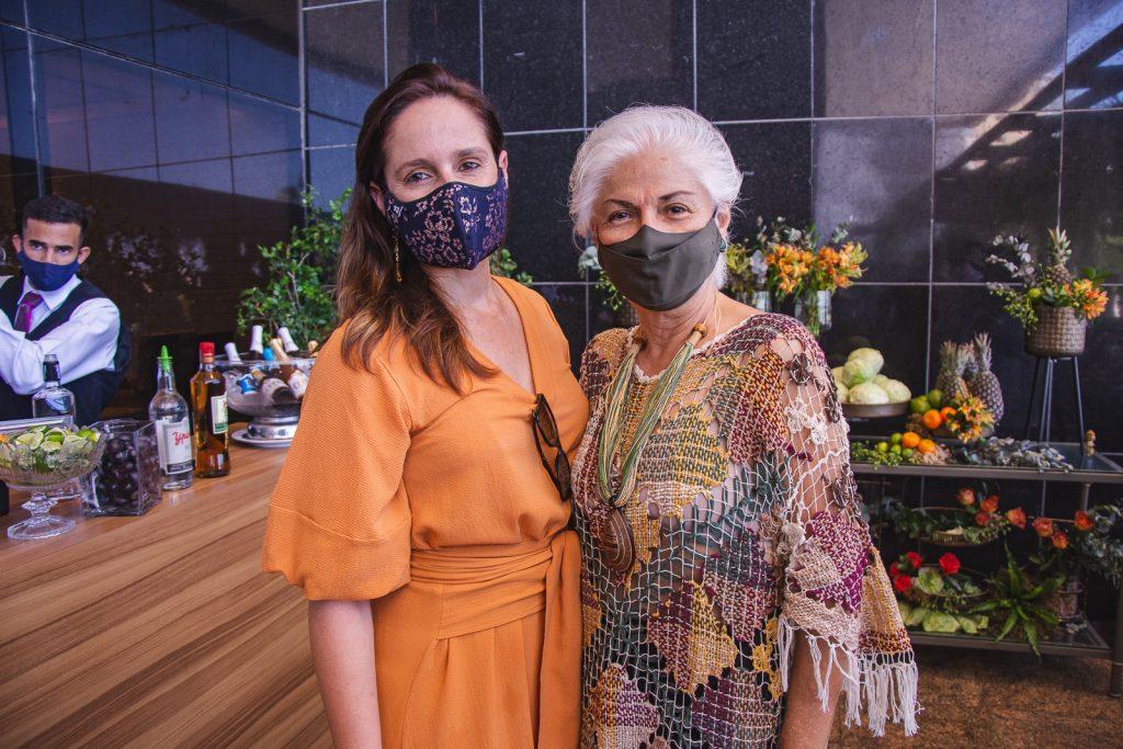 Carol Belchior E Alodia Guimaraes