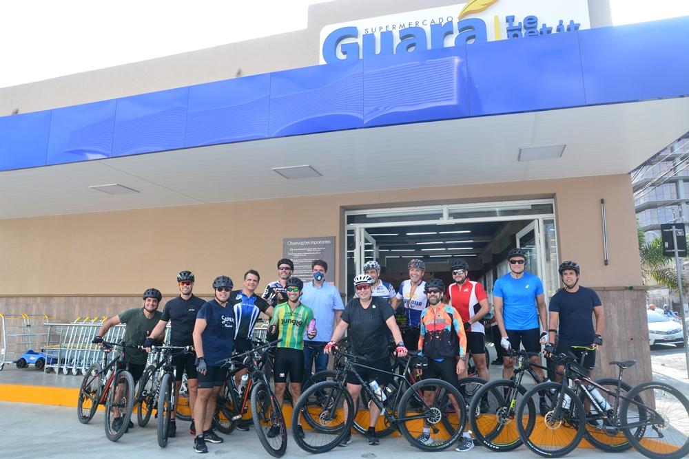 Ciclistas Fazem Pit Stop No Guará Le Petit