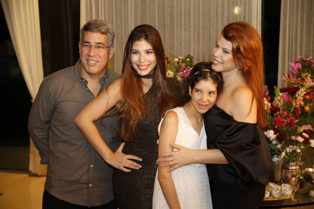 Cid, Lara, Manuela E Marciane Holanda 2