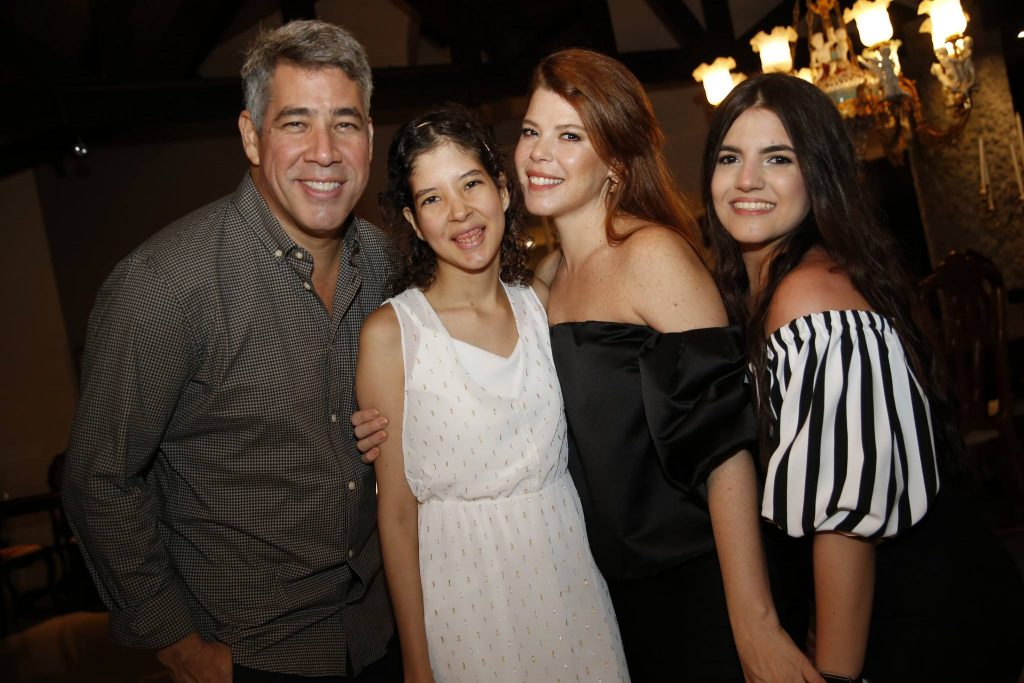 Cid, Manuela, Marciane E Eduarda Holanda