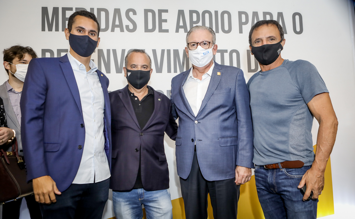 Rogério Marinho anuncia medidas importantes para o Nordeste em encontro na FIEC