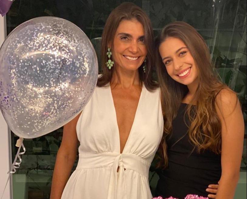 Rebecca e Cândido Albuquerque celebram os 19 anos de Isabela