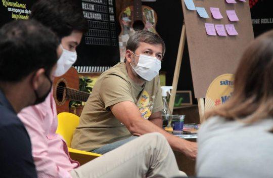Élcio Batista conversa sobre inovação e criatividade com empreendedores