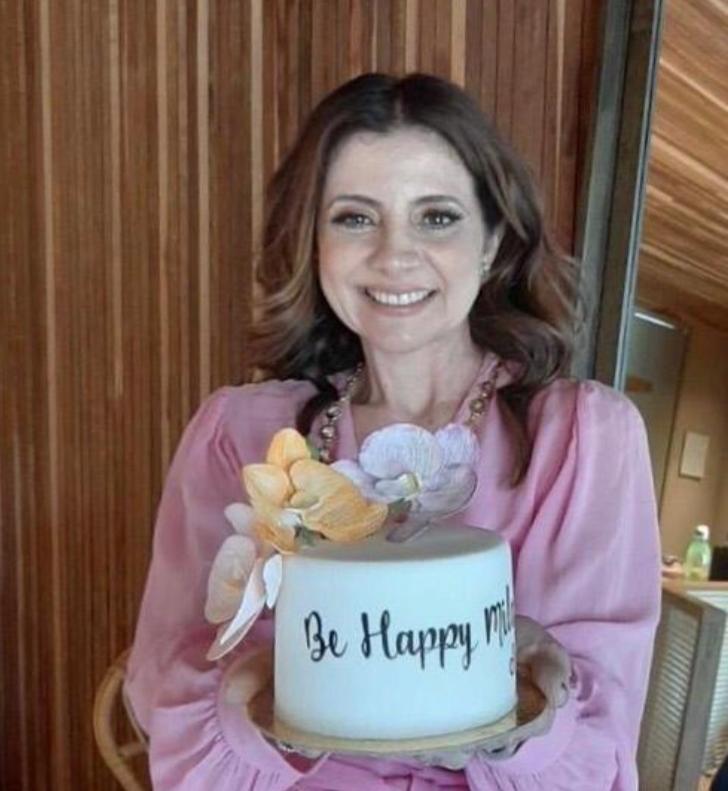 Aniversariante desta quinta-feira (1º), Emília Buarque festeja a nova idade no Carmel Taíba