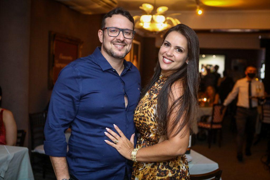 Felipe Vento E Sabrina Machado