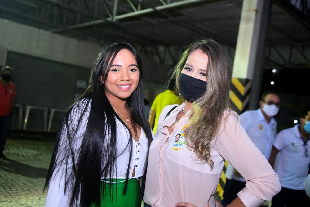 Gabriela Almeida E Maria Clara Medina