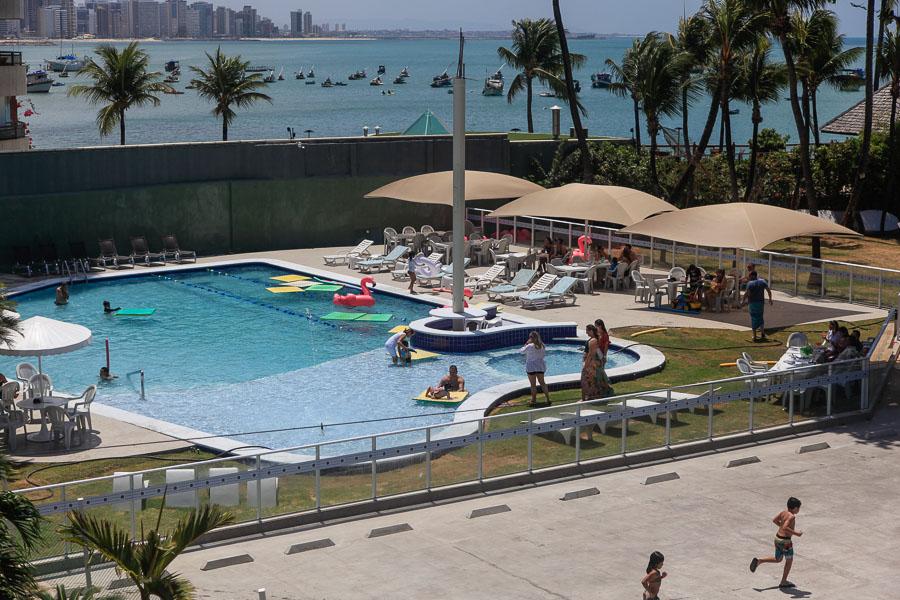 Inauguração da nova piscina marca o feriado no Iate Clube de Fortaleza
