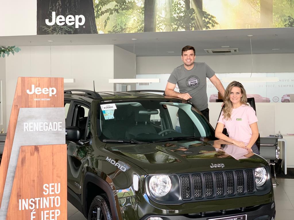 """Newsedan vai de """"Live 72h Jeep Week"""" e espera vender mais o já bem vendidos Compass e Renegade"""