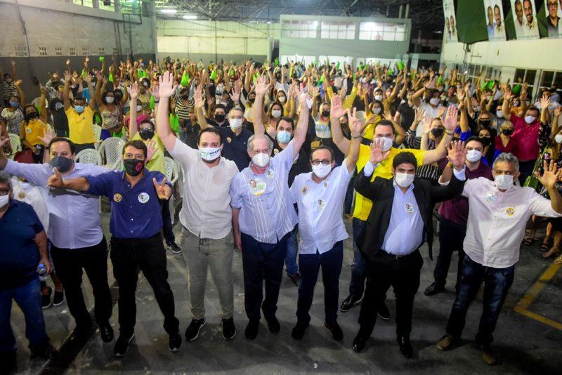 Corrida Eleitoral - Com a presença de Ciro Gomes, Adams Gomes inaugura comitê no Cocó