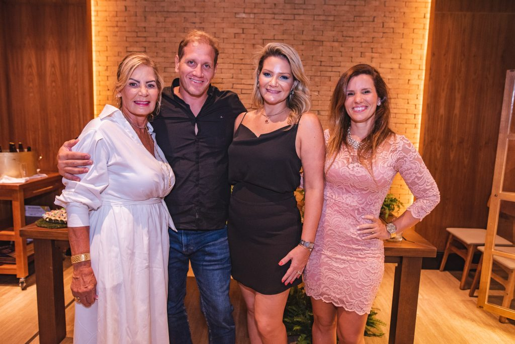 Itala Padilha, Lucas Fortes, Rachel Fortes E Sarah Fontenele