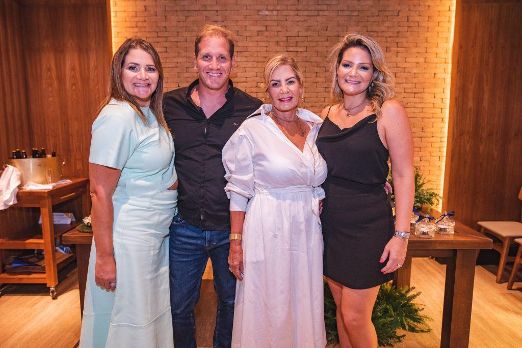 Karine Fortes, Lucas Fortes, Itala Padilha E Rachel Fortes