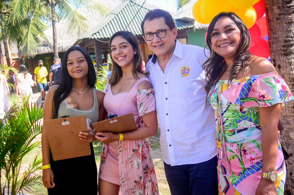 Lara E Larissa Silva, Dr. Elpídio E Ticiane Gomes