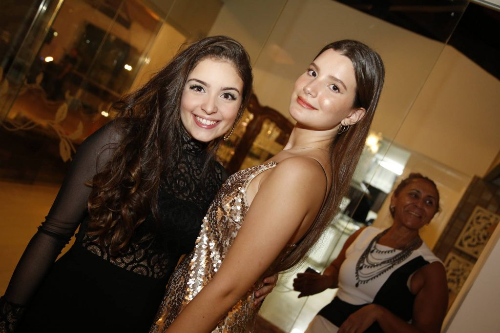 Leticia Passos E Mariana Holanda