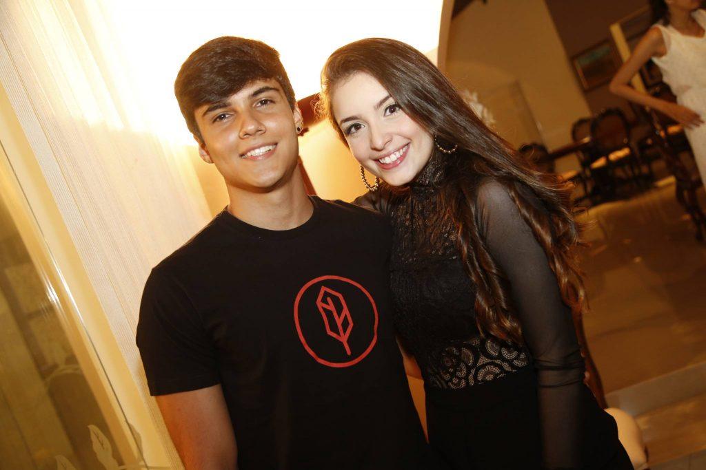 Lucas Leite E Leticia Passos
