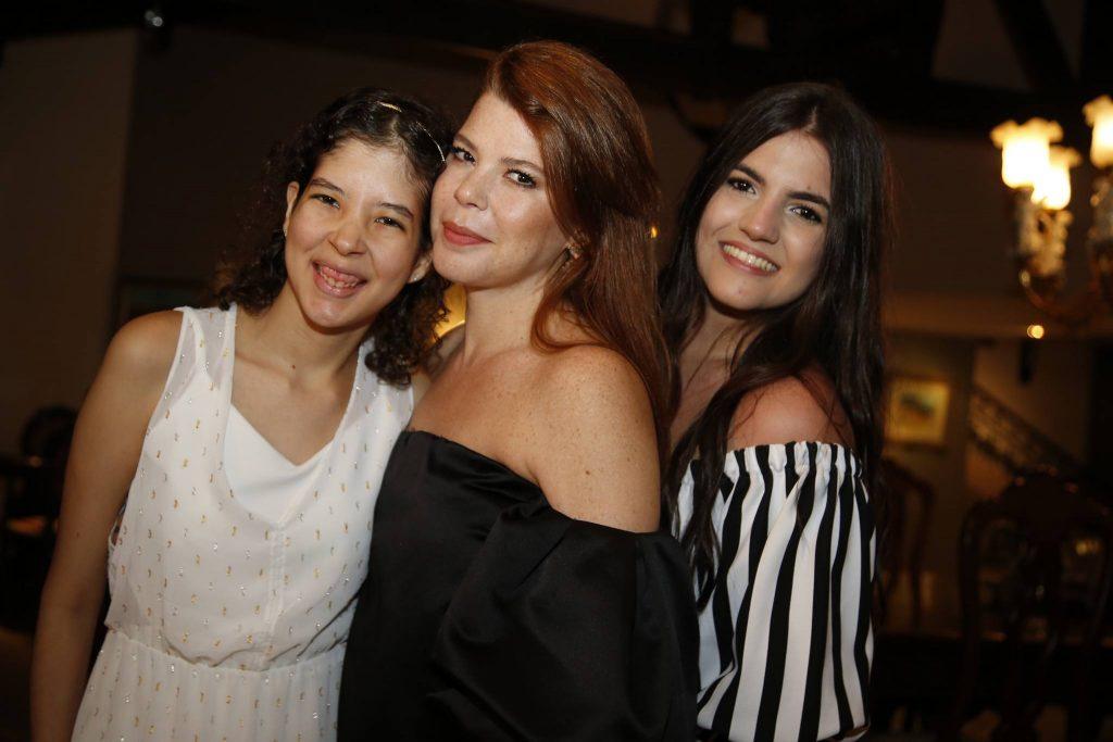 Manuela, Marciane E Eduarda Holanda