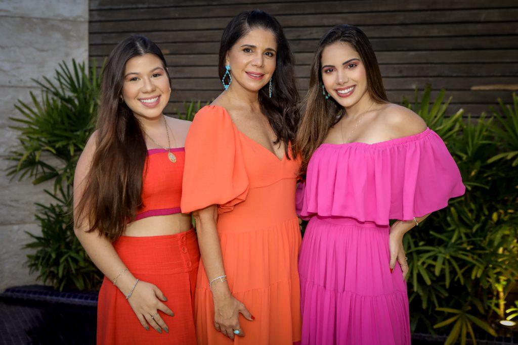 Maria Clara, Maria Lucia E Nicole Carapeba (1)