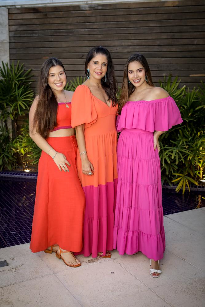 Maria Clara, Maria Lucia E Nicole Carapeba (2)