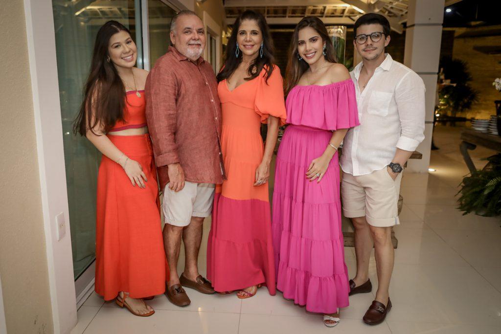 Maria Clara, Pedro, Maria Lucia, Nicole E Pedro Carapeba (2)
