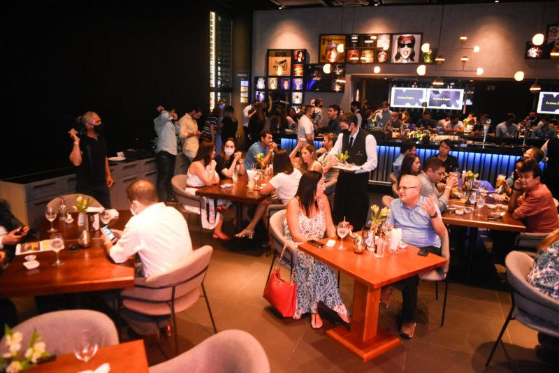 Iguatemi online - Shopping Iguatemi apresenta projeto de marketplace em encontro no Restaurante Coco Bambu