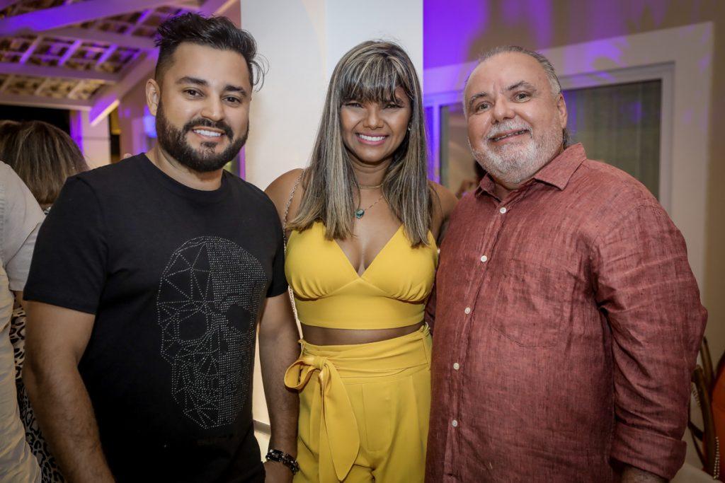 Maycow E Lori Castro E Pedro Carapeba