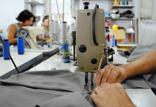 Governo prorroga decisão que permite a empresas fechar acordos de redução de salários e jornada dos colaboradores