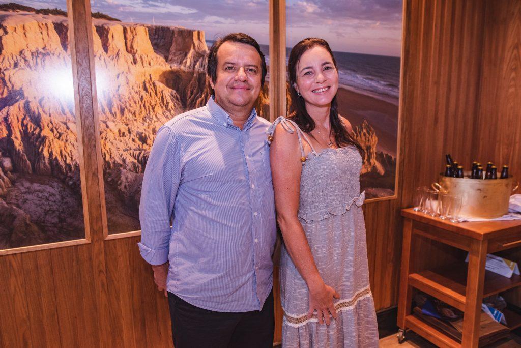 Paulo Pinto E Roberta Camara