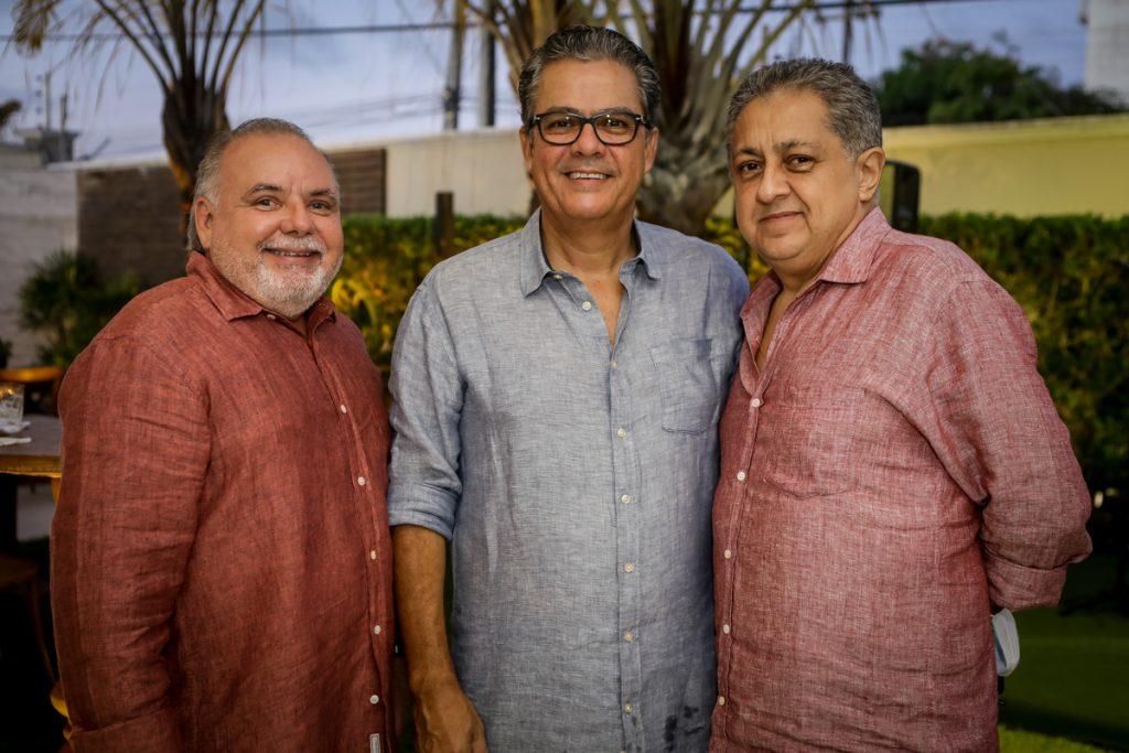 Pedro Carapeba, Vicente De Castro E Adriano Pinto