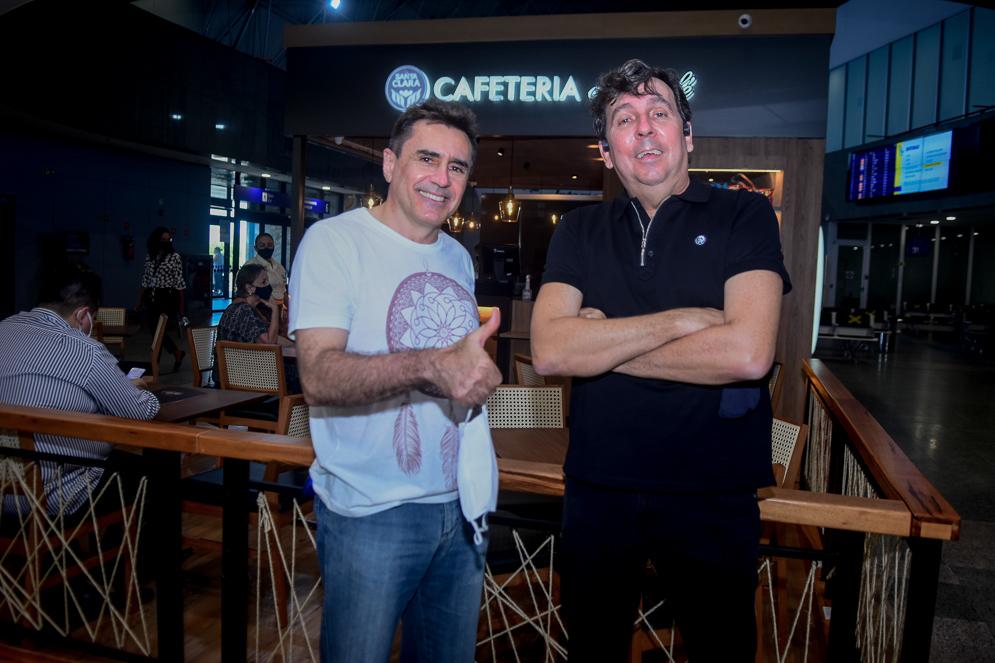 João Mendonça recebe Pedro Lima na inauguração do Club Café no Aeroporto Internacional de Fortaleza